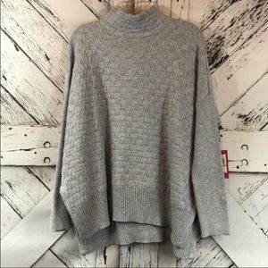 Vince Camuto over sized gray cotton blend sweater